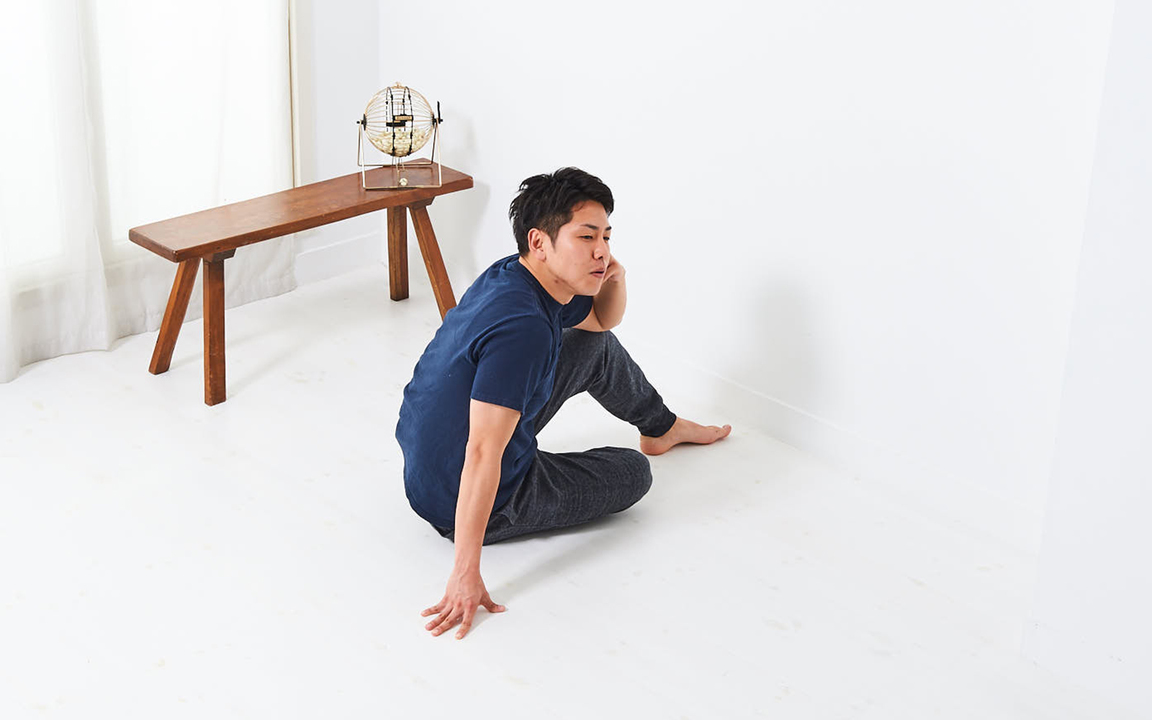 肩の筋肉を鍛える「寝っころがりながらトレ」Advance動作1