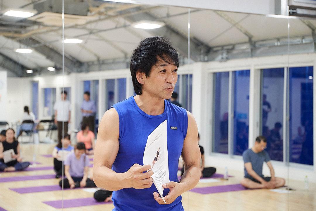 NSCAストレングス&コンディショニング・スペシャリストであり、パーソナルトレーナーの坂詰真二さん。参加者には本イベントのために特別に制作された講義資料も配布された。