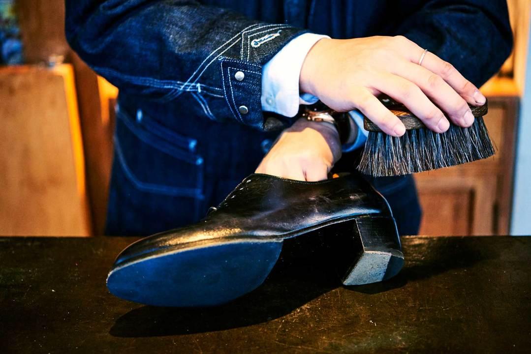 靴磨きの方法その1